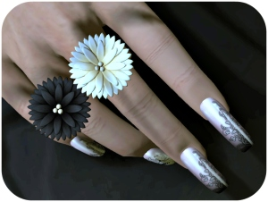 ZoZ Tarot Nails and C'est Rings_cropped